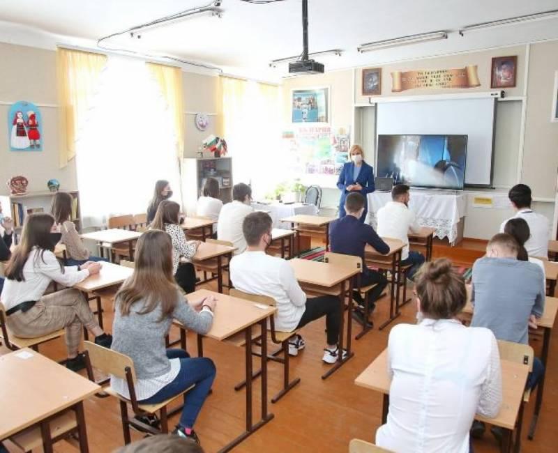 Встреча Башкана с Кирсовскими выпускниками 12-го класса